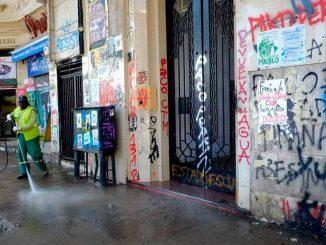 Locales rayados en Santiago